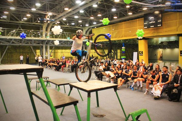 inauguracion olimpiadas con show extremo 5